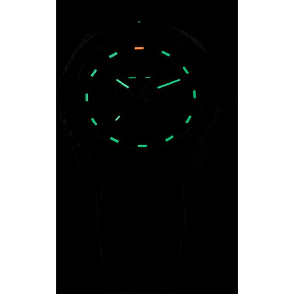 Podświetlenie zegarka Traser P96 Evolution Chrono Black w ciemności